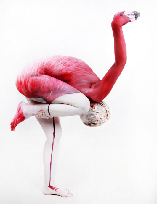 body-painting flamant rose
