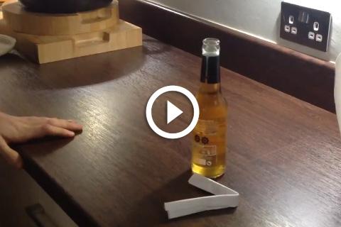 décapsuler une bouteille sans décapsuleur